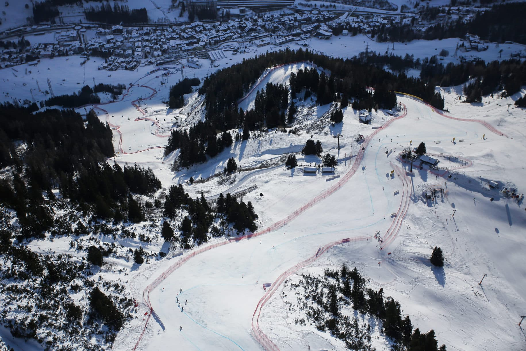 SANKT ANTON,AUSTRIA,09.JAN.21 - ALPINE SKIING - FIS World Cup, downhill, ladies. Image shows an overview of the track. Photo: GEPA pictures/ Daniel Goetzhaber