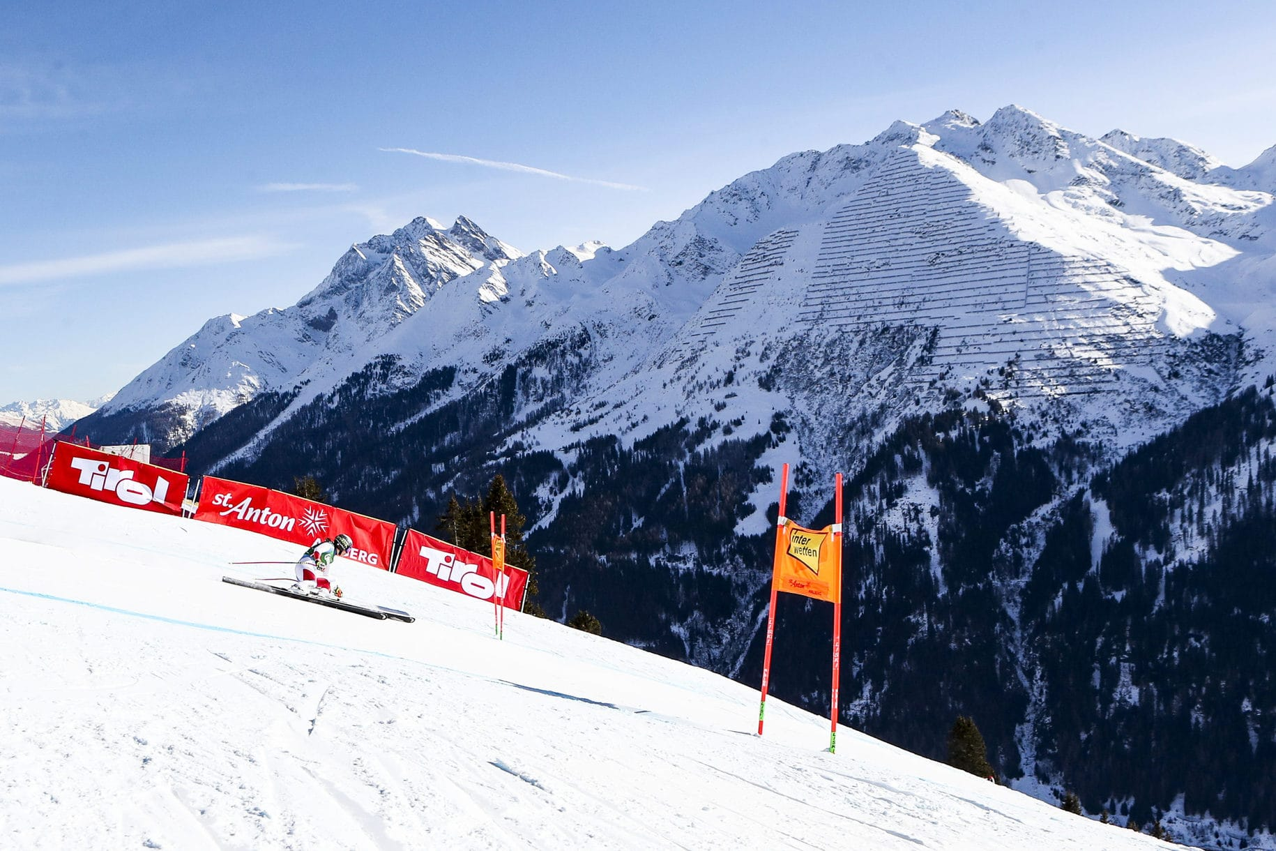 SANKT ANTON,AUSTRIA,09.JAN.21 - ALPINE SKIING - FIS World Cup, downhill, ladies. Image shows Wendy Holdener (SUI). Photo: GEPA pictures/ Patrick Steiner