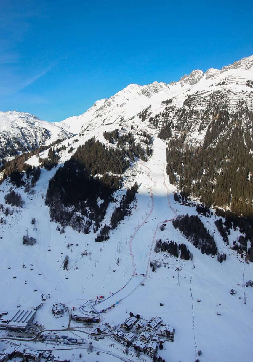 SANKT ANTON,AUSTRIA,09.JAN.21 - ALPINE SKIING - FIS World Cup, downhill, ladies. Image shows an overview. Photo: GEPA pictures/ Daniel Goetzhaber